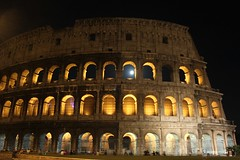 The Collosseum by moonlight (Rory Francis) Tags: italy rome roma night ancient roman bynight moonlight colloseum romanempire rhufain collosseo yreidal anticando aneadailt