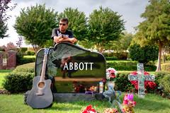 Dead hero (V_TAL) Tags: man grave metal guitar gates cemetary tombstone master hero dime tribute dimebag pantera abbot damageplan rebelmeetsrebel dimebagdarell