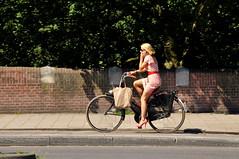 Hot Town Summer In The City (FaceMePLS) Tags: amsterdam nederland thenetherlands facemepls nikond300 straatfotografie streetphotography bike fiets bicycle vrouw woman cellphone gsm zonnebril sunglasses visors tas bag hotlegs damesfiets hogehakken highheels tweewieler callingelvis