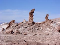 Las Tres Marias, Vallee de la Luna, Atacama Desert (davidmcnuh) Tags: chile sculpture southamerica rock desert erosion valley atacama tres desierto marias vigilantes sanpedrodeatacama moonvalley valleedelaluna