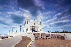 """Heaven is declaring God's glory; the sky is proclaiming his handiwork"". (puthoOr photOgraphy) Tags: sky bluesky dk lightroom cokinfilter cokin ndfilter skyshot velankanni d90 adobelightroom nikond90 lightroom3 velankannichurch skywithcloud tokinaaf1116mm tokina11 basilicaofourladyofgoodhealth puthoor gettyimagehq puthoorphotography valiankanni"