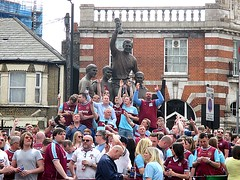 Hammers fans at the World Cup 1966 statue outside The Boleyn pub 07.05.16 (Trevor Bruford) Tags: park blue west london club football utd united ground ham east fc claret upton hammers irons boleyn