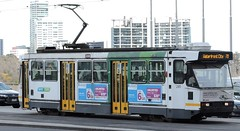 A285 about to turn onto Flinders St (damos photos) Tags: ptv aclass melbournetrams 2015 route70 yarratrams a285
