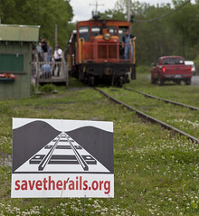 052216_Kingston_NY_Catskill (glennfresch) Tags: new york railroad mountain train central caboose kingston delaware bahn hurley ulster catskill alco rs1