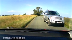 AO62 PUU Roadhog Landrover Driving without due care and attention (Richie Wisbey) Tags: road wheel for other idiot no rover land behind twit care twat users roadhog ao62puu