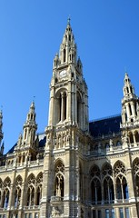 Vienna_City-Hall-2 (rhomboederrippel) Tags: vienna architecture austria cityhall sunny april fujifilm neogothic rathaus citycenter citycentre 2016 neugotik 1stdistrict 1bezirk xe1 rhomboederrippel