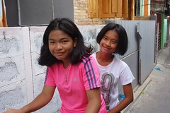 pretty girls on a bicycle (the foreign photographer - ) Tags: girls two bicycle portraits thailand pretty bangkok sony lard bang bua preteen khlong bangkhen rx100 phrao