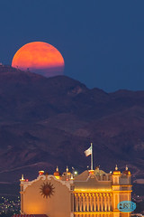 0620 IMG_6377 (JRmanNn) Tags: hotel nightscape lasvegas fullmoon sunsetstation greenvalley strawberrymoon whitneymesatrails