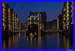 Speicherstadt Hamburg-1 (ToniPanal) Tags: city cidade night lights nikon nacht hamburg stadt noite luzes speicherstadt lichter