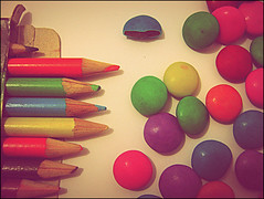 coloring candies. (caramelado) Tags: colors colorful candy coloring mm