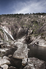 Desembocadura del ro Xallas (DavidGorgojo) Tags: ro river waterfall corua rocks galicia galiza rocas cascada costadamorte costadelamuerte zaro roxallas riverxallas
