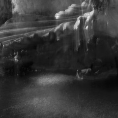 (..stefan) Tags: bw water fountain infrared handheld icm cliveden hoyar72 intentionalcameramovement
