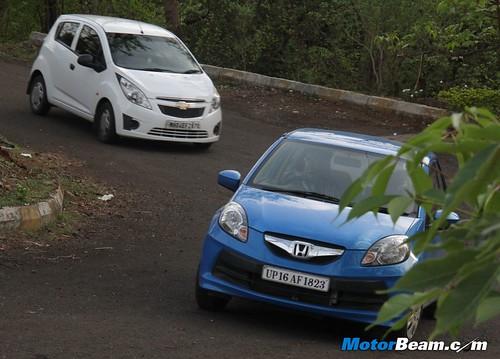 Chevrolet-Beat-vs-Honda-Brio-01