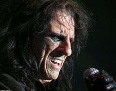 20120808_27 Alice Cooper at Liseberg | Gothenburg, Sweden (ratexla) Tags: show life people musician music favorite man men guy celebrity rock musicians wow gteborg person concert europe artist tour rockstar sweden earth live famous gothenburg gig performance guys dude entertainment human liseberg artists rockroll horror shock celebrities sverige celebs rocknroll musik dudes scandinavia celeb humans scandinavian konsert 2012 alicecooper goteborg tellus homosapiens organism storascenen almostanything gsgsgs unlimitedphotos ratexla photosbyjosefinestenudd photophotospicturepicturesimageimagesfotofotonbildbilder theeternityset canonpowershotsx40hs 8aug2012