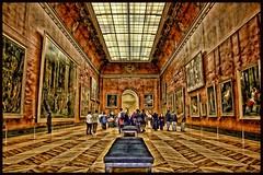 Muse du Louvre (Broilerkeule) Tags: paris louvre musedulouvre canoneos30d broilerkeule