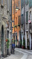 SWEET ITALY - COMO (elvetino and dide) Tags: italien italy como alley italia com ruelle lombardia italie gasse lagodicomo vicoli comersee lakeofcomo lombardei provinciadicomo blinkagain lomabrdie me2youphotographylevel1