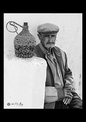 Montefrieo (Art.Mary) Tags: portrait espaa man monochrome canon andaluca spain retrato granada espagne hombre homme montefro