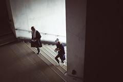 _PLG107 (Pablo Latorre) Tags: people paris france fashion stairs canon photo donna photographer gente crowd models moda entrance atmosphere desfile trends vogue list behind backstage mode runway scenes ambience palaisdetokyo fashionweek ambiente catwalks pablolatorre not wwwpablografiacom lestrop lestropbarcelona