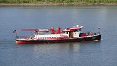 The David Campbell (Armen Woosley) Tags: oregon willametteriver fireboat davidcampbell cityofportland