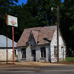 Old Gas Station - Westville, Oklahoma (danjdavis) Tags: oklahoma gasstation oldbuilding abandonedbuilding oldgasstation westville adaircounty drpeppersign