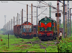 Diesel dudes at patherdih yard (Raj Kumar (The Rail Enthusiast)) Tags: city canon diesel jan steel indian express railways raj bokaro kumar howrah alco patna ranchi hatia 16747 17481 22401 shatabdi wdm2 samastipur wap4 patratu gomoh wdm3 sx30is patherdih