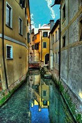 Treviso, canale (forastico) Tags: canale treviso riflesso veneto d60 forastico nikonflickraward luckyorgood agosto2013challengewinnercontest