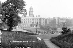 The Rotunda (National Library of Ireland on The Commons) Tags: ireland dublin hat women belltower tennis cupola tenniscourt 1900s glassnegative 1907 therotunda leinster parnellsquare lawntennis robertfrench williamlawrence nationallibraryofireland rotundahospital lawrencecollection