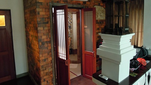 Bathroom doors, Santitham, Guest House, Chiang Mai