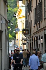 Varese (MikePScott) Tags: camera italy lens streetlight italia streetlamp lamppost lombardia varese lombardy builtenvironment nikon18200mmf3556 nikond300 featureslandmarks