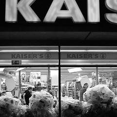 Kaiser (Till Matthis Maessen) Tags: people bw white black shop square sigma 11 supermarket sw monochrom weiss supermarkt foveon flaschen plastik dp1 500x500 scharz einweg müll müllberge