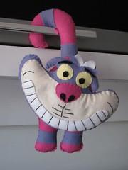 Gato da Alice - Enfeite de Maaneta (Mimos da Pola) Tags: gato da pola gatinho mimos lembrancinha enfeitedeporta enfeitedemaaneta gatodaalice gatorisonho enfeitedegato