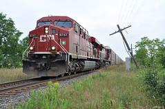 CPR #8747 (Ace31_2010) Tags: ontario canada electric train pacific general railway canadian locomotive ge cpr insulators v12 puslinch es44ac