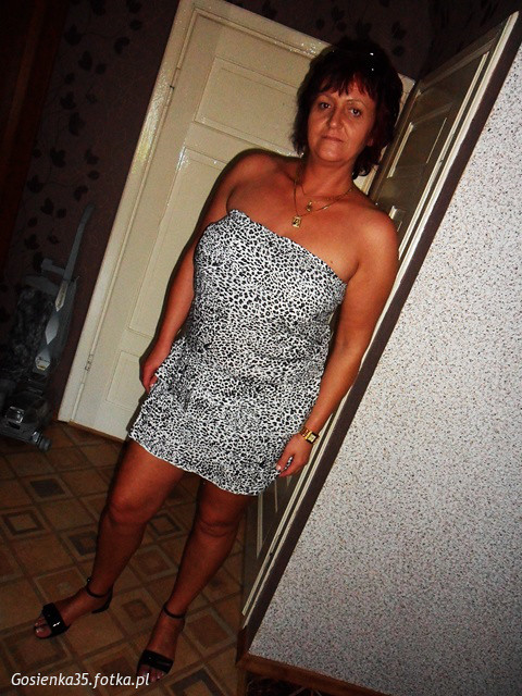 clearville milf women This sexy milf has no problem finding them  women rule and guys must obey  hordcore xbbw vaneea da clearville xxx com pictures.