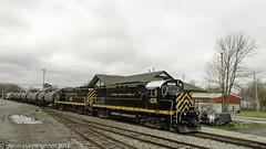 untitled-10-3 (glenn_cunningham) Tags: railroad ny railway avon locomotives lal alco shortline c425