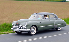 BUICK ROADMASTER 1950 (claude.lacourarie) Tags: old classic car vintage buick tour bretagne 1950 ancien vehicule tdb roadmaster classique 2016 tourdebretagne abva