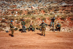 1992 UNIFIL - Shooting range (Normann Photography) Tags: lebanon hot training warm dry unitednations 1992 peacecorps lb shootingrange peacekeepers nabatieh unifil compactfilmcamera unitednationsinterimforceinlebanon fntjeneste unservice kontigent29 fraidiss