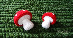 Crochet grass rug with mushroom 2 rs (Mingle Doll ) Tags: mushroom grass with crochet rug toadstool