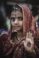 Shivaratri. Varanasi, Uttar Pradesh. India. (Ral Barrero fotografa) Tags: portrait india girl child god indian varanasi shiva indu shivaratri
