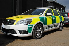Essex Emergency 2000 / Skoda Octavia VRS / Rapid Response Car (Chris' Transport Pics) Tags: life uk blue light england film car speed hospital lights nikon bars pix 2000 fuji threatening united fine 911 blues samsung kingdom ambulance medical health national nhs finepix trust and fujifilm service hd saving emergency medic paramedic savers 112 essex rapid siren skoda octavia workshops response 999 vrs twos strobes lightbars rotators d3000 leds s2750