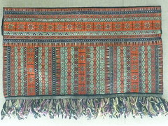 decorative apron with silk. Miao people. (sftrajan) Tags: china museum costume shanghai muse fabric museo   textiles ethnicity shanghaimuseum chineseart  shnghi miaopeople  miaoethnicity