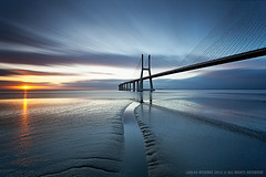 Good Wake ! (CResende) Tags: longexposure bridge portugal sunrise video spain moments wake good lisbon forum conference presentation exodos cresende