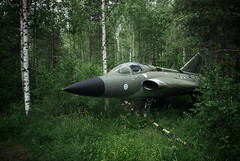 (Sameli) Tags: cold plane suomi finland airplane war fighter aircraft military airplanes jet 35 draken saab hylätty dk265