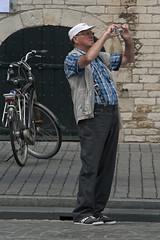 Another tourist (Mark A.H.) Tags: camera holland netherlands europa europe fotograf photographer candid nederland holanda paysbas fotógrafo kamera olanda caméra fotografo macchinafotografica niederlande photographe cámara hollande fotograaf paísesbajos paesibassi