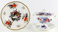 3032. Seashell decorated Porcelain Tureen and Plate