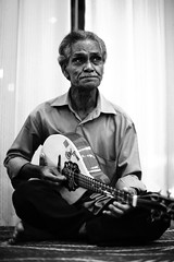Ustad Amanullah Khan (N A Y E E M) Tags: portrait musician hotel evening mandolin lobby entertainment singer bangladesh coxsbazaar oceanparadise amanullah