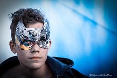 Voglio fare il super eroe! (balboni.antonella) Tags: volti persone people ritratti ritratto carnevale maschera ragazzo blu cielo bambino fumetti fumetto