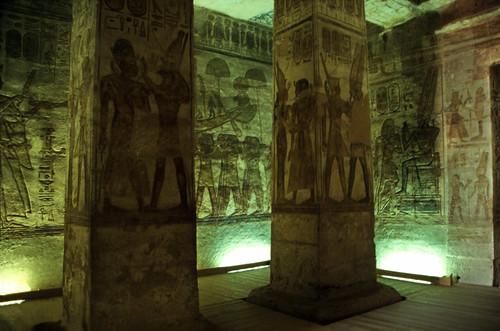 "Ägypten 1999 (135) Assuan: Im Großen Tempel von Abu Simbel • <a style=""font-size:0.8em;"" href=""http://www.flickr.com/photos/69570948@N04/27561797776/"" target=""_blank"">View on Flickr</a>"