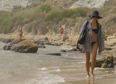 girls_Scala_dei_Turchi_5046 (Manohar_Auroville) Tags: girls sea italy white beach beauty seaside rocks perspectives special scala sicily luigi dei agrigento fedele turchi scaladeiturchi manohar
