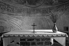Varenna 0720 - Oratorio di San Giovanni Battista (cbonney) Tags: morning italy religious san italia catholic quiet cross religion altar di catholicism simple lombardia lecco giovanni varenna lombardy oratorio stjohnthebaptist batistia