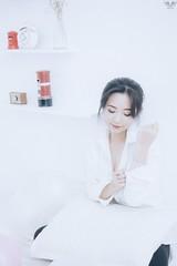 tran 12 (Nhp xinh trai siu cp !) Tags: cute girl kawaii boobs breasts pastel white 8pm 8am smile wakeup fashion indoor female teen 16 portrait japan vietnam china studio